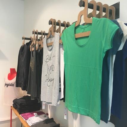 Frauenbekleidung im Ahimsa