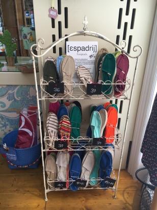 Espadrij - auch Schuhe gibt's im Patchouli