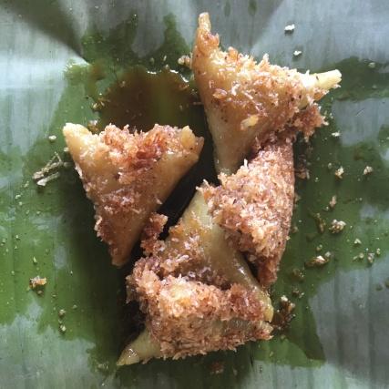 Süsse Reisdumplings in Bananenblatt